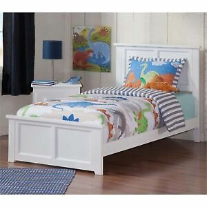 Atlantic Furniture Ar8626032 Madison Bed With Match Footboard White