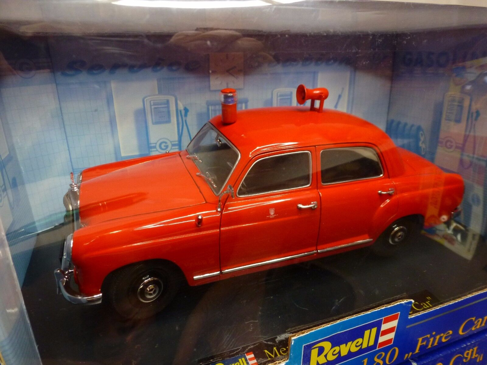 REVELL 8807 MERCEDES BENZ 180 FIRE CAR - RED 1 1 1 18 RARE - GOOD IN BOX 59cdeb