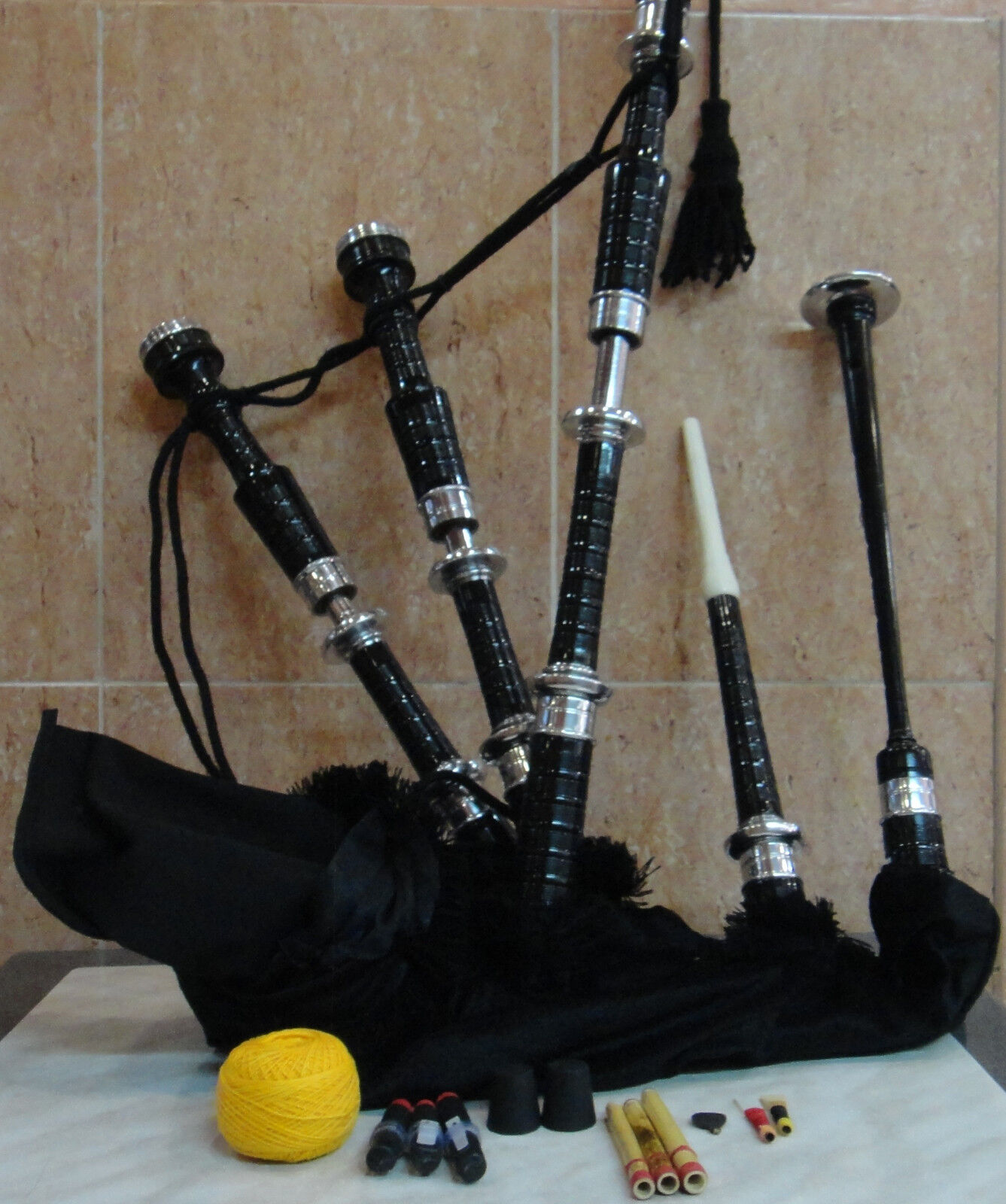 Highland Bagpipes for Beginner with practice chanter tutor book