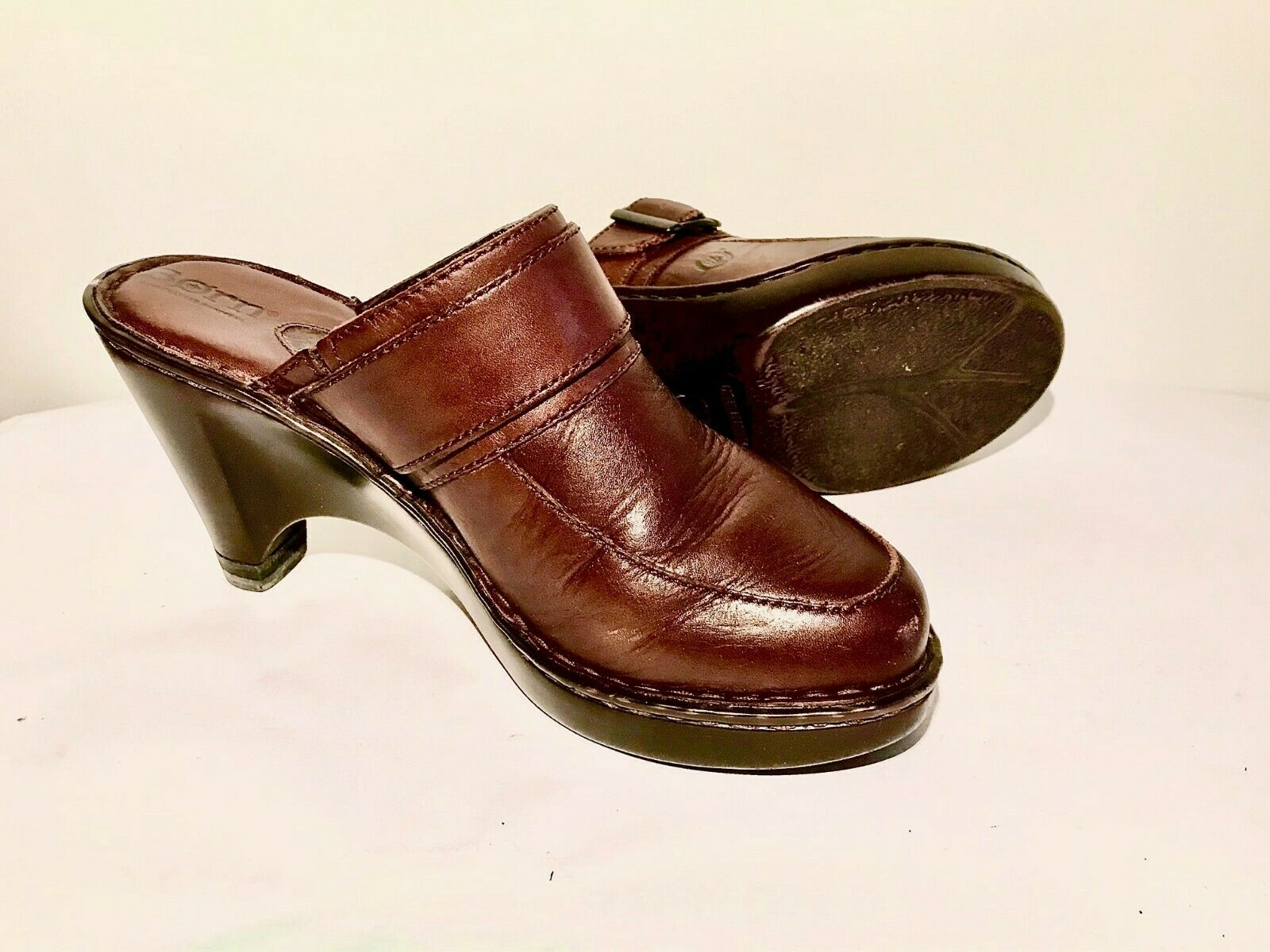 Born Leather Brown Sandals w/buckles Size 7/38 Wa… - image 1