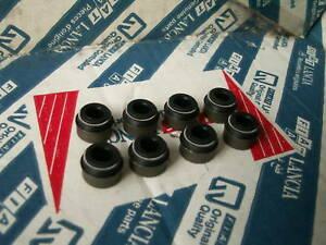 New Original Fiat X19 X1//9 Pair of Valve Stem Collets Clips 14196870 Lancia Alfa