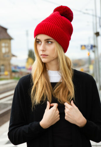 CASPAR MU208 Elegant Women/'s Lined Knitted Winter Bobble Hat Faux Fur Pom Pom