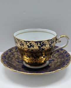 Beautiful-Cobalt-Blue-with-Gold-Flower-Aynsley-Tea-Cup-and-Saucer