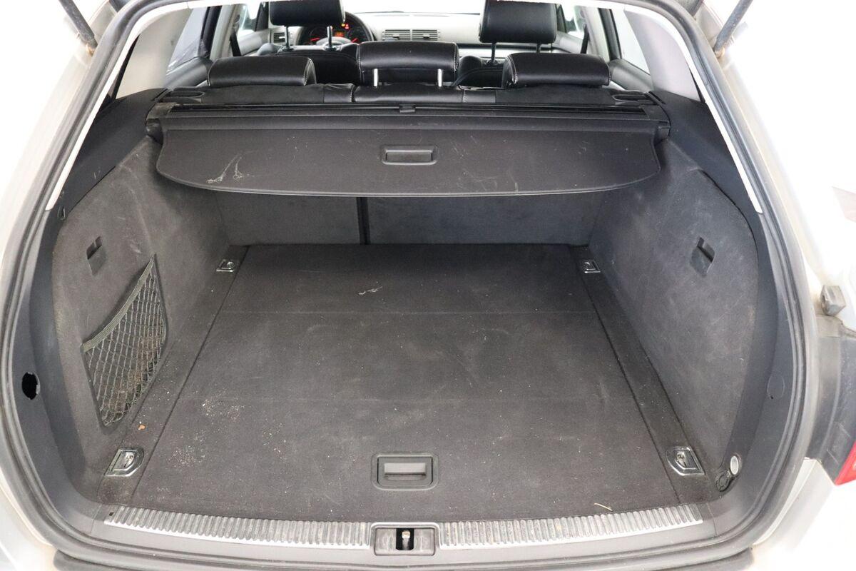 Audi A4 1,8 T 163 S-line Avant