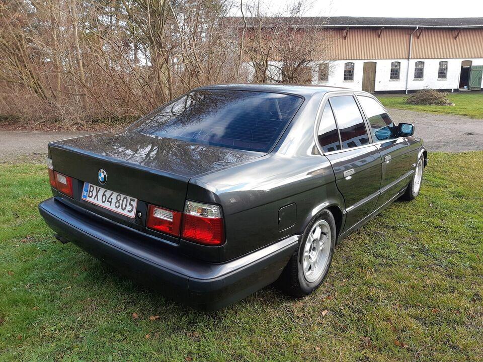 BMW 525i, 2,5 24V, Benzin