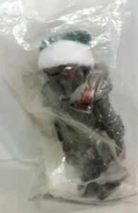 2006 EXCLUSIVE BATTLESTAR GALACTICA MINIMATE XMAS HOLIDAY BLOOD SPATTERED CYLON
