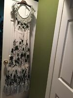 100% Authentic Gucci White/Green Floral Lace Runway Long Dress Size:40 $9995+Tax