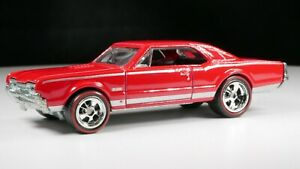 HOT-WHEELS-MUSCLE-1967-OLDSMOBILE-442-RED-LINE-ALL-METAL-REAL-RIDERS-ADULT
