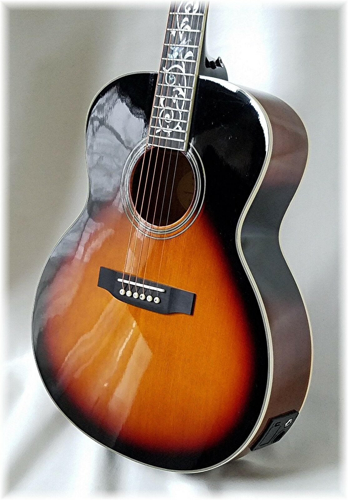 DILLION- Limited - Folk Größe acoustic electric beauty ( Sunburst ) Only 1 Left