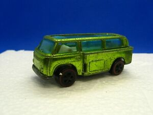 Vintage-Hot-Wheels-Redline-1969-Beach-Bomb-in-Spectraflame-Light-Green