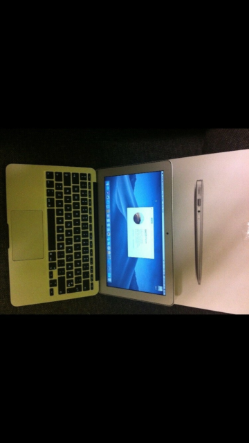 MacBook Air, 11,6 mid 2012, 1,7 GHz core i5 GHz, 4 GB ram,…