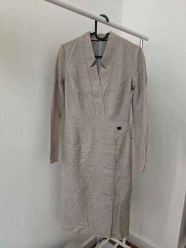 The Fold London Office Dress Geometrical Beige Woo