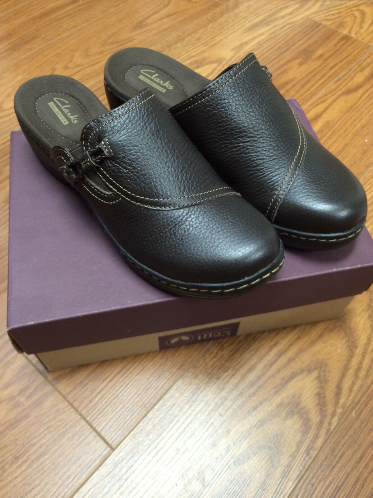 New Women's Clark's  Hayla Sage  Brown Tumb shoes Clogs Oxfords Slide Ins