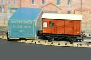 HORNBY-DUBLO-3-RAIL-HORSE-BOX-D1-EXCELLENT-WAGON-AND-BOX