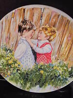 Wedgwood 1977 BE MY FRIEND  My Memories  Mary Vickers Ltd Ed Plate  MIB