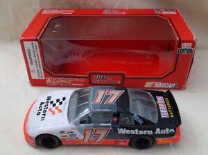 1995-Edition-Racing-Champions-17-Darrell-Waltrip-1-24-Scale-Diecast-Car-NASCAR