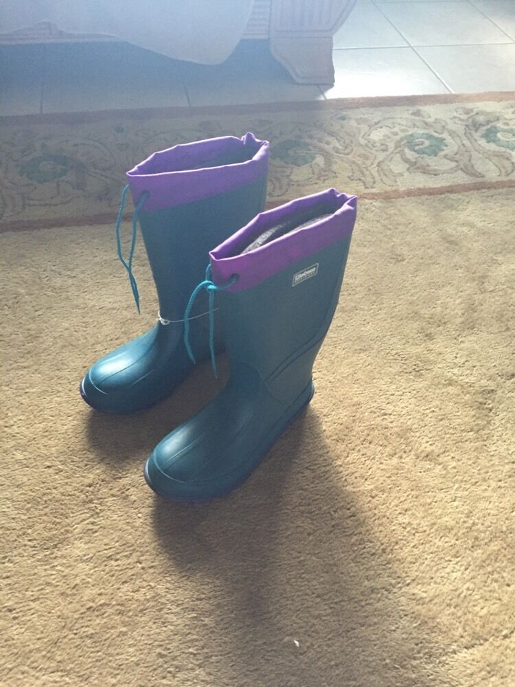 Vintage Retro NEW WITH TAGS LaCrosse Boots Purple And Teal color Size 5
