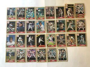 1987-NEW-YORK-YANKEES-Topps-Baseball-Team-Lot-30-Cards-2-Ex-MATTINGLY-HENDERSON