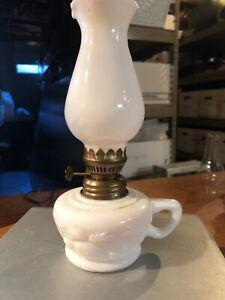 Vintage-Milk-Glass-Fingertip-Miniature-Oil-Lamp-Emboss-Leaves-Wedding-Hong-King