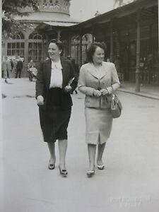 Vintage-Photo-Allemagne-Germany-Karl-Blumenthal-Wildbad-1939-femmes-dans-un-parc