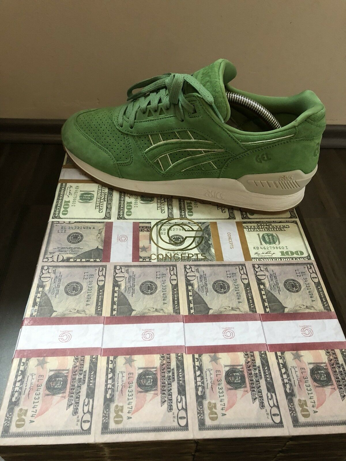 Concepts x asics gel-respector 43 us 9,5  coca  verde blanco with Special Box