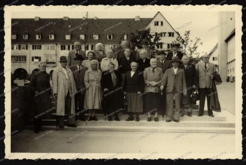 Foto-AK-Stuttgart-Botnang-Familen-Foto-Gruppenfoto-Gebäude-Architektur
