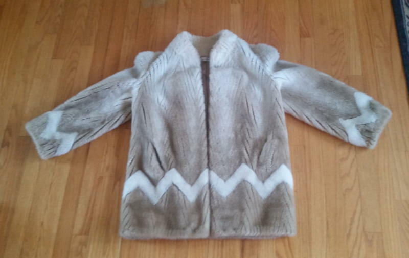 Exquisite vintage The Little Traveler Geneva faux fur coat made in USA