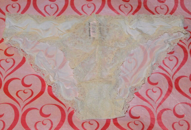 NWT VICTORIA/'S SECRET LARGE NEON PINK SCALLOP LACE TRIM SEAMLESS THONG PANTIES