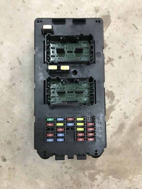 05 06 Jeep Commander Grand Cherokee Interior Fuse Box Relay Control Module Oem