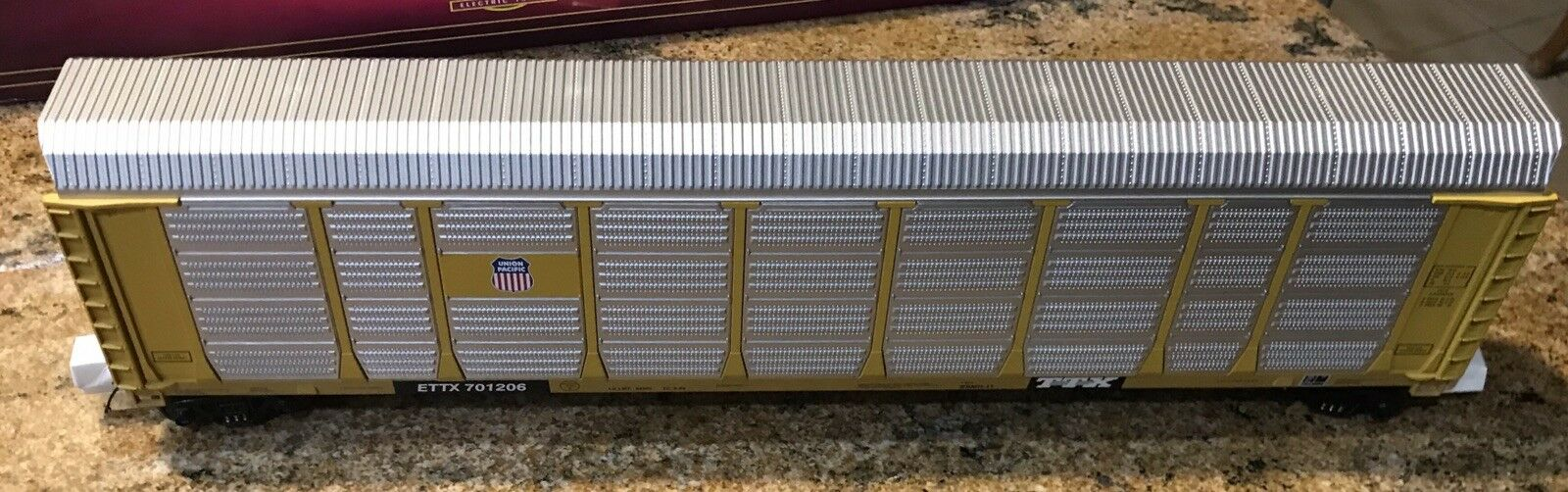 MTH Union Pacific   701206  CORRUGATED AUTO CARRIER  20-98407 NEW