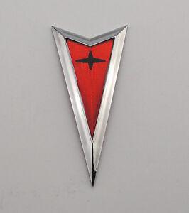 2004-2005-2006 Pontiac GTO Front Bumper Arrowhead Arrow Emblem 04-06 Chrome
