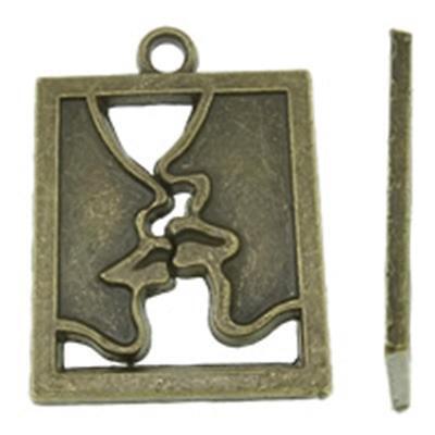 4pc antique bronze 31x23mm metal alloy kiss pendant-9533