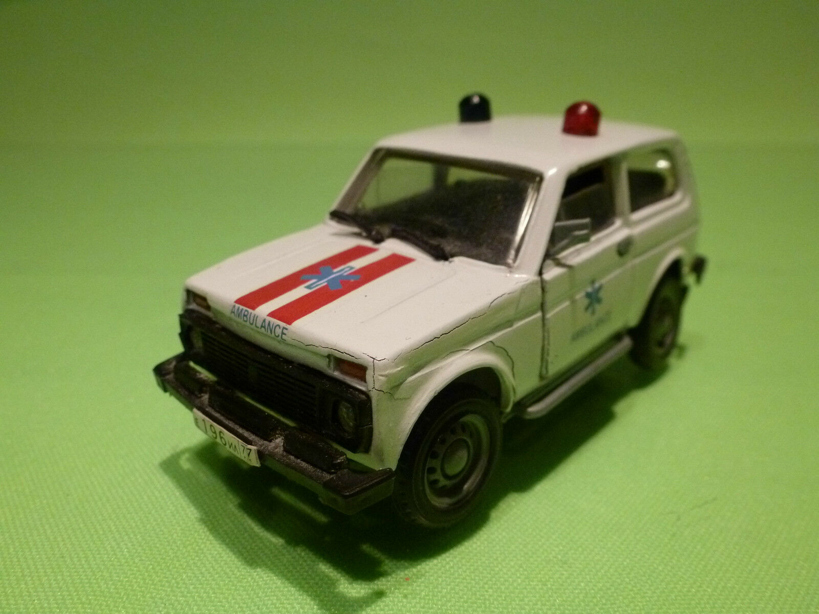 MADE IN USSR CCCP 21213 LADA NIVA - AMBULANCE - 1 43 - EXTREMELY RARE -FAIR COND