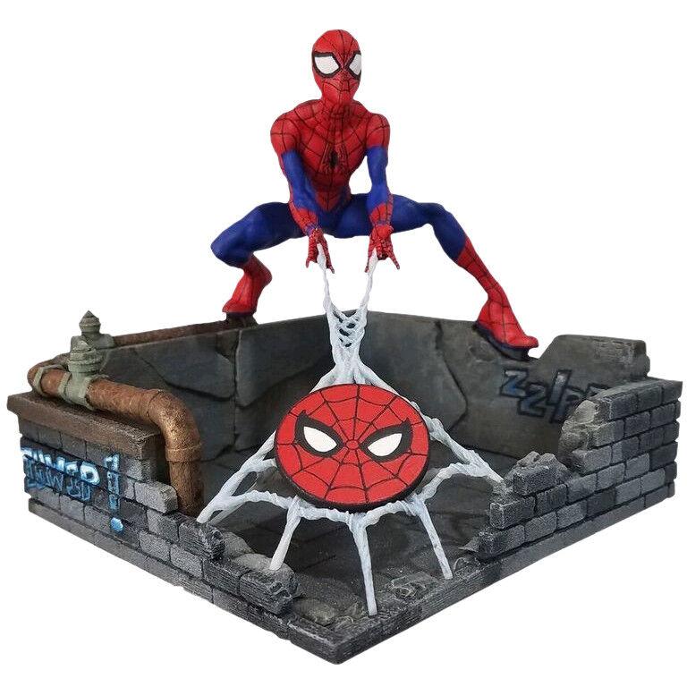 """Spider-Man - Spider-Man Finders Keypers 10"""" Statue"""