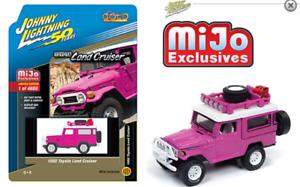 Johnny-Lightning-Toyota-Land-Cruiser-1980-Off-Road-Rosa-JLCP7208-1-64