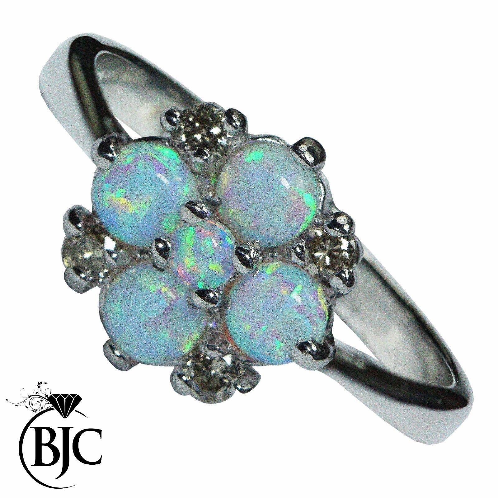 Bjc 9 Karat Weiss gold Rund Cabochon Opal & Diamant Größe O Haufen Ring R279