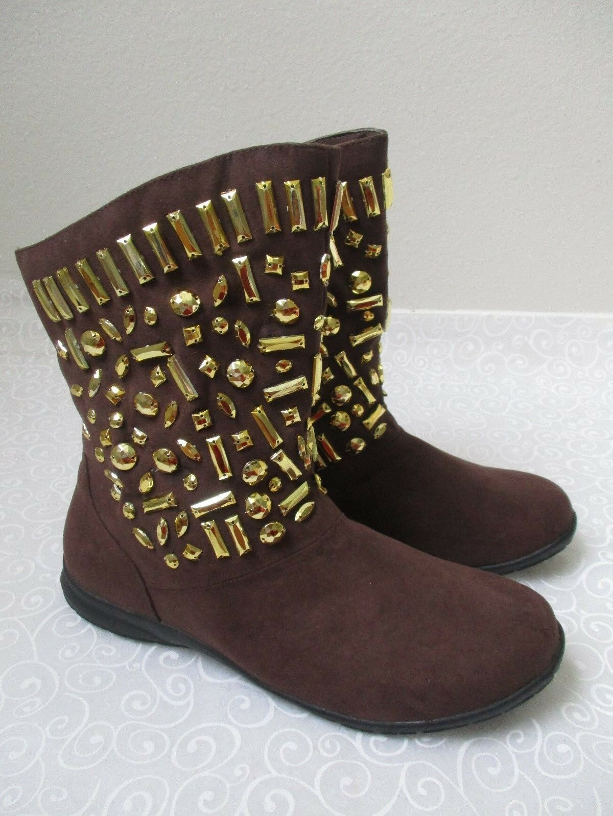 120 JOAN BOYCE FLAT BROWN & GOLD BEADED FAUX FUR BOOTS SIZE 9 1/2 M - NEU