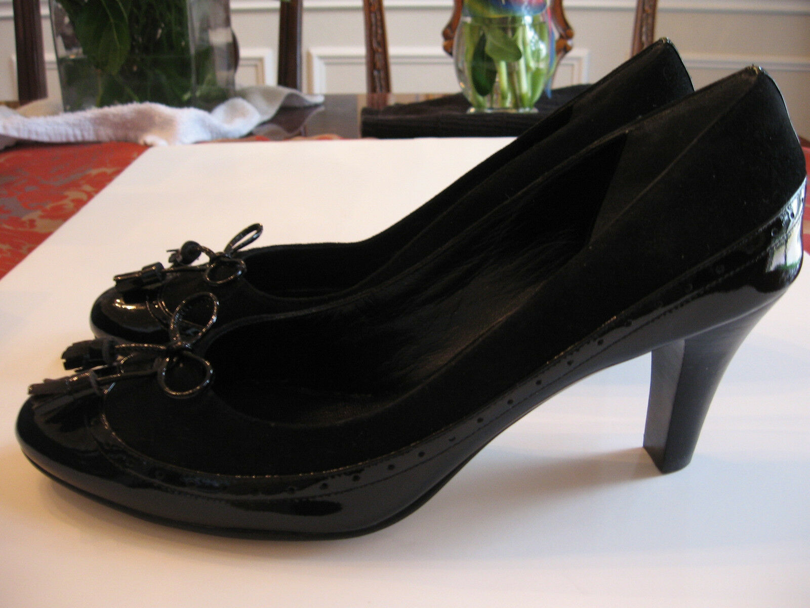 NEW COLE HAAN BLACK PATENT LEATHER SUEDE PUMPS-CLOSED TOE -  SIZE  9 B
