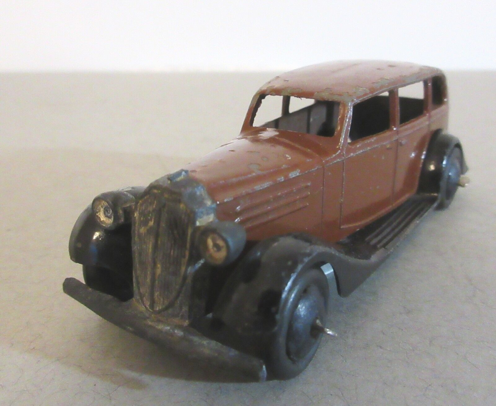 DINKY TOYS Early Version Vauxhall quatre portes berline - 1930 S DINKY TOY CARS