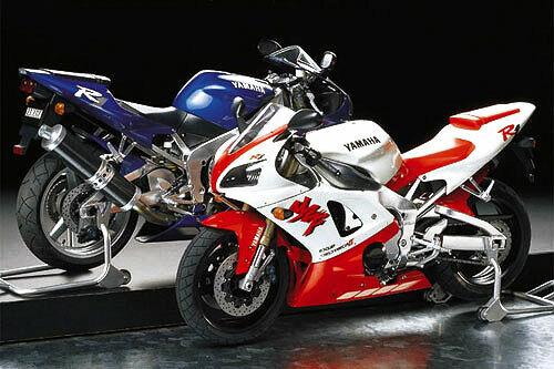 Tamiya 14073 1/12 Scale Motorcycle Model Kit Yamaha YZF-R1