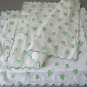 "2 Vintage SCHWEITZER 20"" Boudoir Pillow Shams GREEN HEARTS Scalloped Trim ITALY"