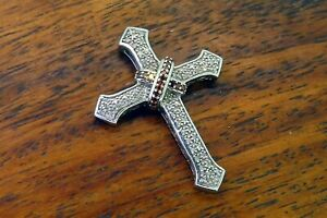 Vintage-silver-RUBY-DIAMOND-CROSS-RELIGIOUS-CATHOLIC-FILIGREE-PENDANT-charm
