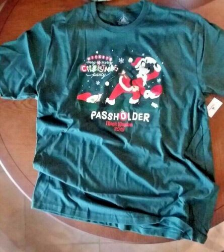 New//Tags Disney T-Shirt 2019 Mickey/'s Very Merry Christmas Party PASSHOLDER XL