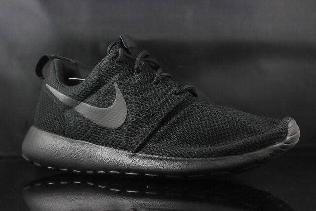 pretty nice d7b45 512c1 Nike Roshe One 511881-026 Triple Black Anthracite Size 8