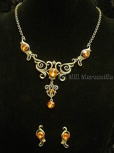 Antique-Victorian-style-antique-gold-toned-costume-jewelry-necklace-with-earring