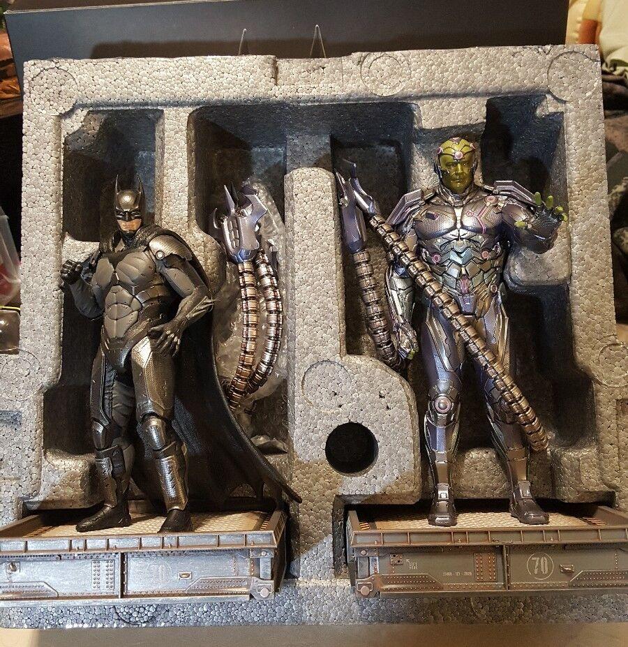 Injustice 2 The Versus Collection Collector's edizione Statue Batuomo  e Brainiac  prezzi bassi