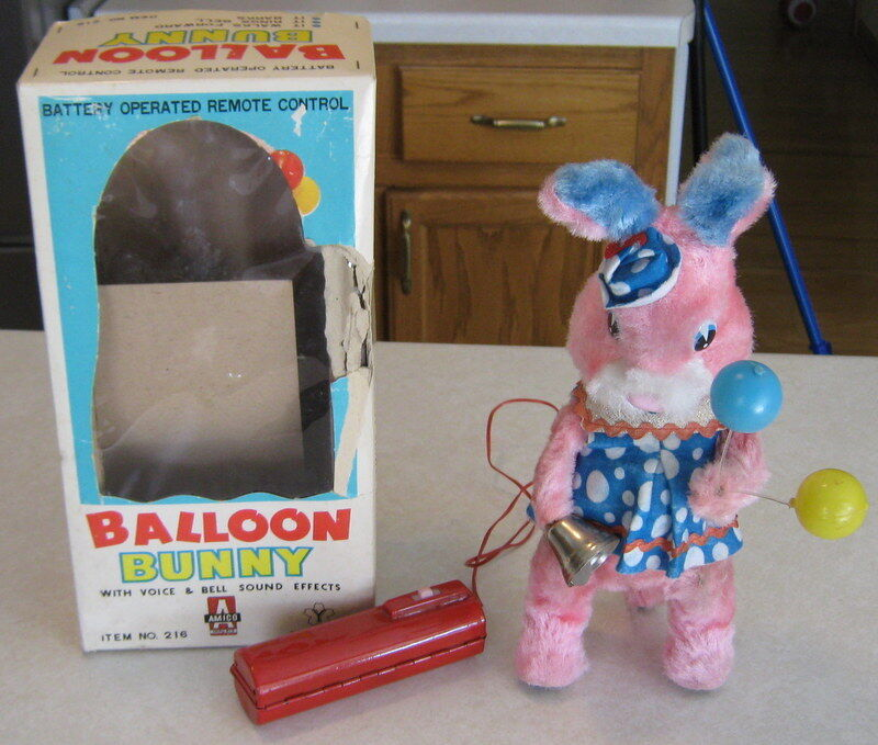 1960's Battery Operated 11  Balloon Bunny Japan  Y  Co Boxed Works