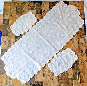 Set-of-3-Vintage-Embroidered-Ivory-Organza-Doilies-amp-Dresser-Scarf-Table-Runner