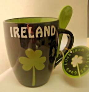 IRELAND-BLACK-AND-GREEN-MUG-CUP-GREEN-SHAMROCK-WITH-GREEN-SPOON-IN-HANDLE