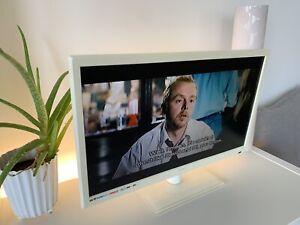 """Technika 21.5"""" LED TV / DVD PLAYER WHITE"""